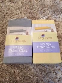 Cot bed fitted sheet