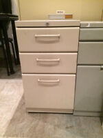3 drawer metal pedestal filing cabinet  (25 available)