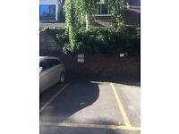 Parking spot in Kensington W8 , Secure building , Minimum 1 month
