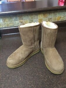 BRAND NEW INBOX Unbranded UGG Boots SIZE 10 AND SIZE 8