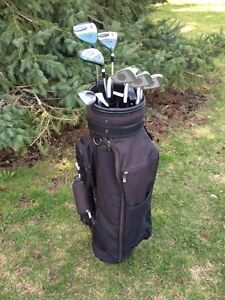 Ladies Goliath golf clubs, complete set in great condition