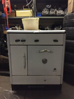 ANTIQUE NATURAL GAS STOVE - MCCLARY BRAND - FOR SALE