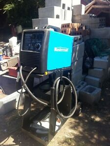 Mastercraft 110v MIG welder, cart and mask