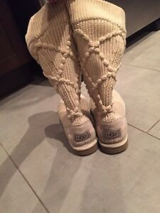 Cozy sweater ugg boots size 7 (could fit 7.5)