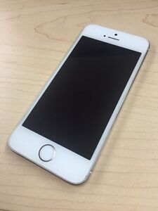 Iphone 5s argent ** bell/virgin** comme neuf