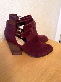 Kurt Geiger Carvela size 6, purple, nearly new condition, £170 new