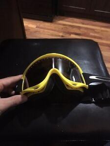 Snowboard boots/Oakley Goggles  Strathcona County Edmonton Area image 4