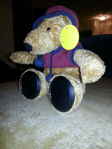 BRAND NEW MP3 MUSICAL BEAR WITH SPEAKERS IN HIS FEET!!!!!!!!!!!! London Ontario image 2