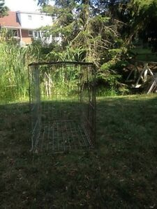 Good condition chicken cage