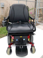 NEW NEVER BEEN USED QUANTUM 600Z ELRCTRIC WHEELCHAIR IN RED