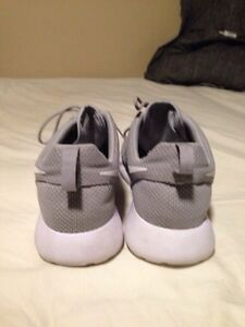 nike roshe one men's size 11.5 Cambridge Kitchener Area image 3