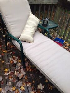 Patio lounger and table