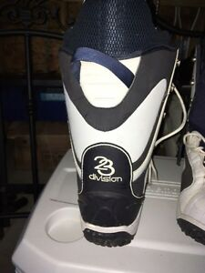 Division 23 Snowboard Boots Peterborough Peterborough Area image 3