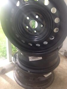 15 inch snow tire rims like new