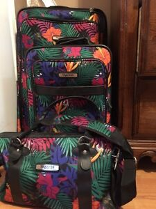Set of 3 SUITCASES London Ontario image 1
