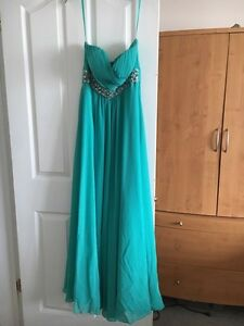 Grad dress **price reduced ** Strathcona County Edmonton Area image 2