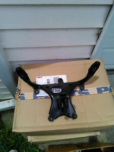 R1 98-99 YAMAHA FAIRING STAY BRACKET Windsor Region Ontario image 1