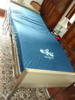 Home Care Electric Hospital Bed: INVACARE 5410IVC