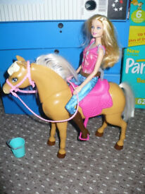 Barbie Cuddle and Feed Tawny Horse Playset. Like new condition.