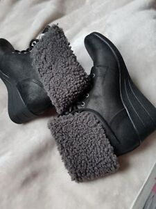 Authentic UGG Lady's Boot