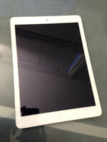 APPLE iPad Air 16gb white (excellent and clean condition)