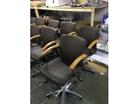 Wellonda Hydraulic Styling Chairs