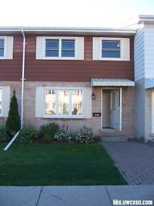 private sale: townhouse for sale!