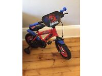 Spider-Man bicycle with stabilisers