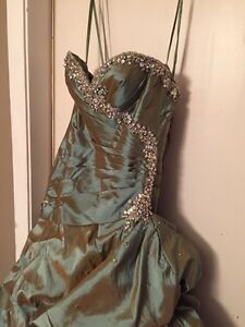 REDUCED: teal greenish Mori lee prom dress  Prince George British Columbia image 4