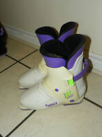 Nordica Ski Boots - Youth Size 6 - 282mm - Easy rear entry
