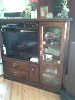 TV Entertainment unit in Excellent Condition