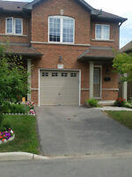 Stunning 3 Bedroom 2.5 Bath Family Home in Stoney Creek - Sept 1