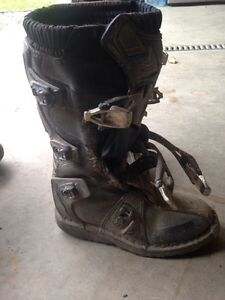 Looking for size 6 motocross boots