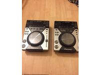 Pioneer CDJ-400 CD/MP3/USB Decks (pair)
