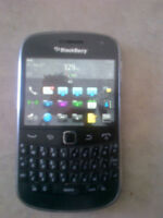 Blackberry 9900 Bold Black  in good condition