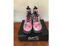 Anarchic rose design ladies boot size 7
