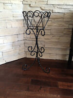 Support a plante *** Plant stand
