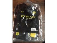 Bnwt manchester city full outfit