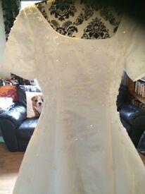 Beautiful Ivory Berketex wedding gown