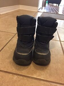 Winter boots sz10 Kingston Kingston Area image 2