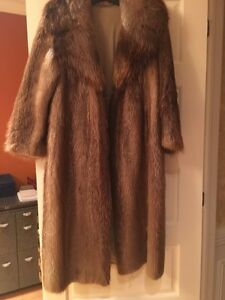 Long fur coat - beaver  West Island Greater Montréal image 1