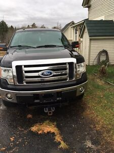 2009 F-150 XLT 4X4  with TOW package and snow plow