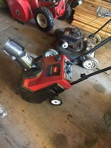 Toro mini snow blower