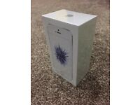 Iphone Se Silver 32gb sealed pack 12 month apple waranty