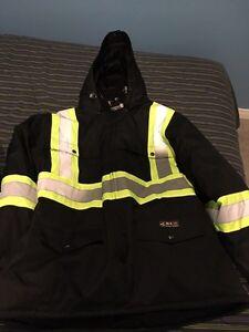 2 vestes à vendre Saguenay Saguenay-Lac-Saint-Jean image 1
