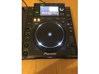 Pioneer Pair CDJ 2000 and DJM 2000