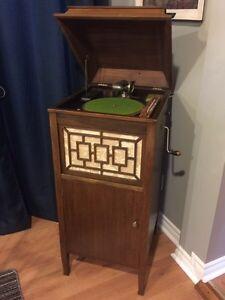 Antique Brunswick Balke & Collender Phonograph Player  Crank Windsor Region Ontario image 1