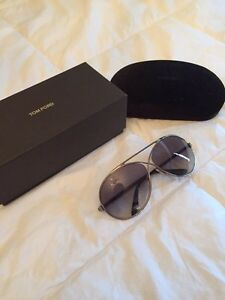 WOMENS TOM FORS SUNGLASSES - PERFECT CONDITION