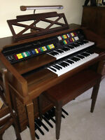 Lowrey Magic Genie 88 Organ