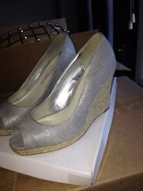 Silver wedges size 3